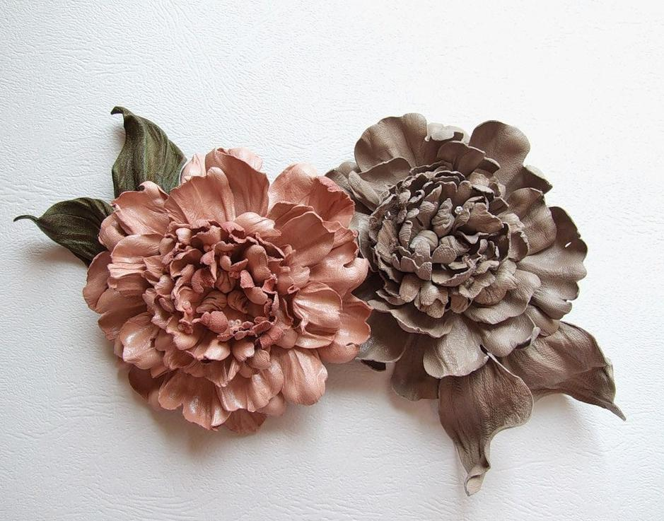 цветок из кожи