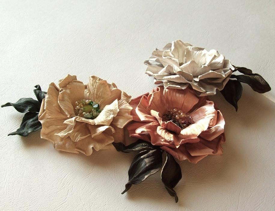 цветы из кожи